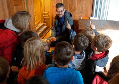 Orgelentdeckertag mit Kreiskantor Raphael Nigbur und Werner Kieselbach in St. Johannis Wesendorf | Bild: Marion Schuckart